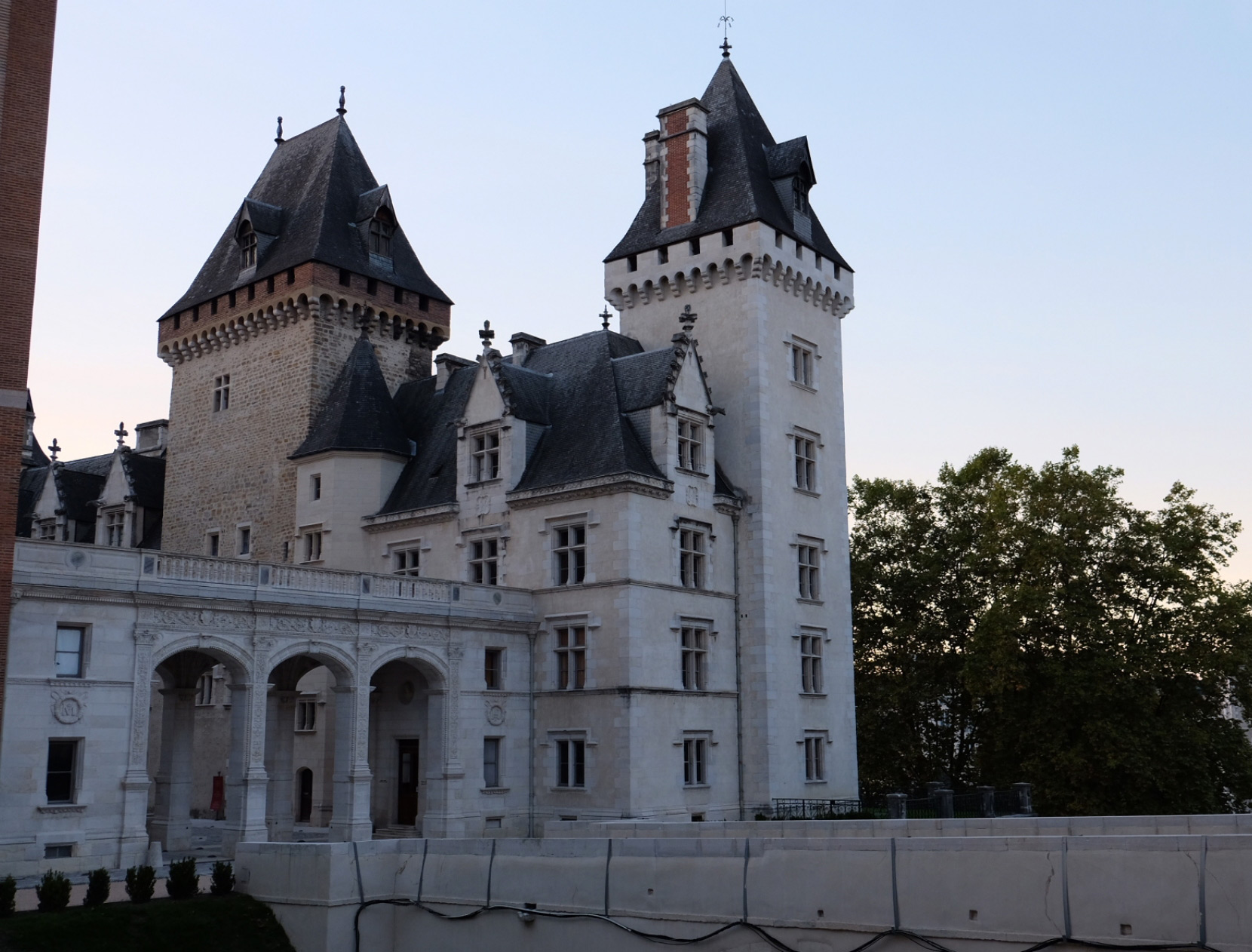 chateau - Invest in Pau